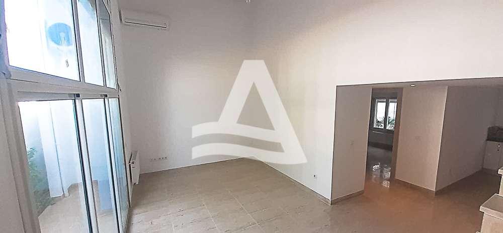 httpss3.amazonaws.comlogimoaws_Arcane_immobilière_la_Marsa-_location_-_vente_la_marsa_7_sur_12_1572691078790
