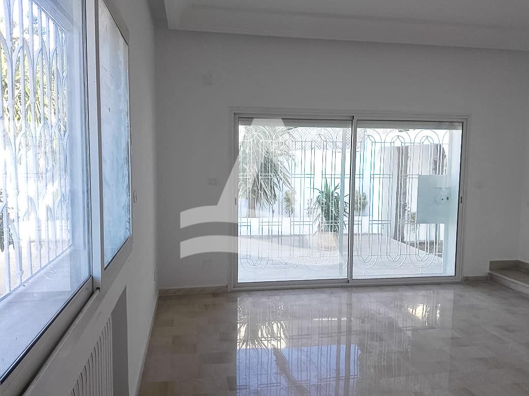 httpss3.amazonaws.comlogimoawsImmobilier_La_marsa_-_arcane_immobiliere_-_location_appartement_vue_mer_16_sur_18_1556192532265