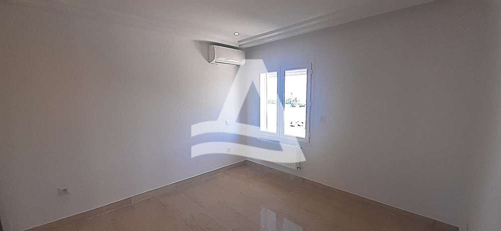 httpss3.amazonaws.comlogimoaws_Arcane_immobilière_la_Marsa-_location_-_vente_la_marsa_5_sur_8_1569673782188