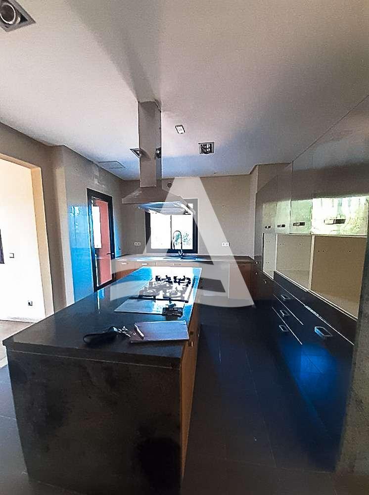 httpss3.amazonaws.comlogimoaws_Arcane_immobilière_la_Marsa-_location_-_vente_la_marsa_11_sur_19_1570871859960
