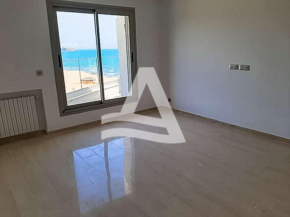 httpss3.amazonaws.comlogimoaws_Arcane_immobilière_la_Marsa-_location_-_vente_la_marsa_14_sur_19_1568362806150